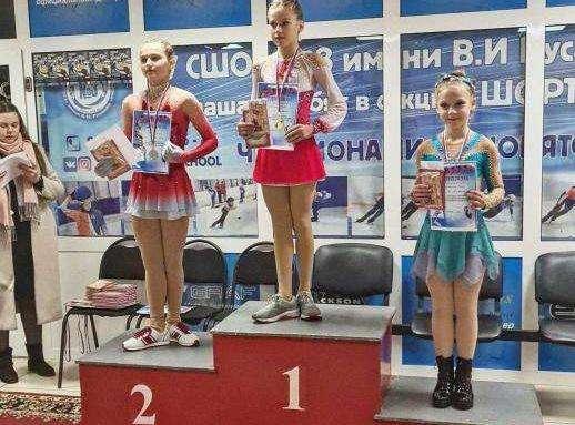 ✅ Новомосковская фигуристка стала призером соревно...