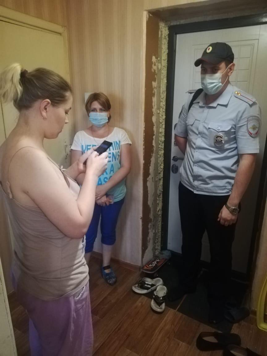 Петровские полицейские и соцработники проводят работу с семьями, находящимися в сложной жизненной ситуации