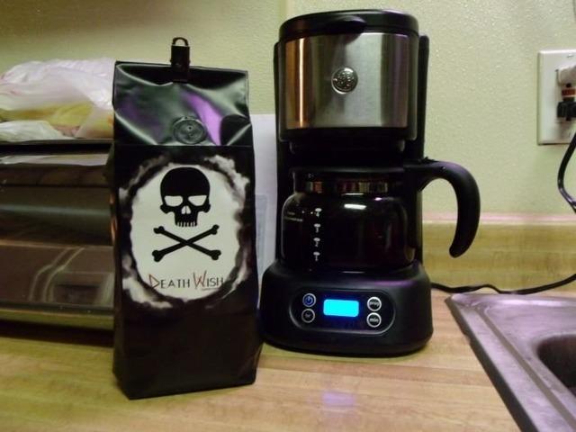 что подарить любителю кофе, лучшие подарки к празднику,