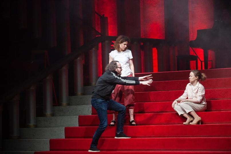 Уже через три дня, 23 апреля, состоится премьера спектакля куратора актерской ла...