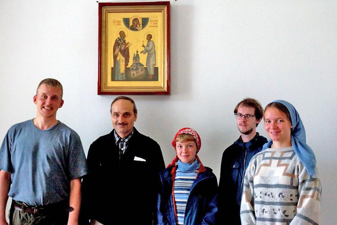 Участники фольклорного ансамбля Санкт-Петербургского государственного университета посетили Артемиево-Веркольский монастырь.