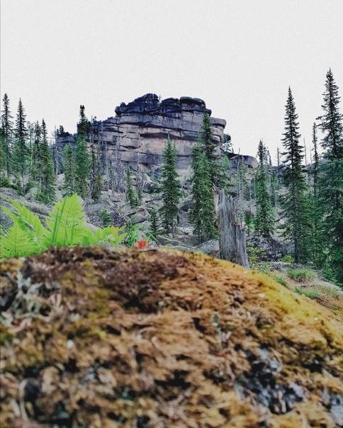 Мегалиты ⛰ ⠀ Выше гор, только горы. ⠀ По-моему, в ...