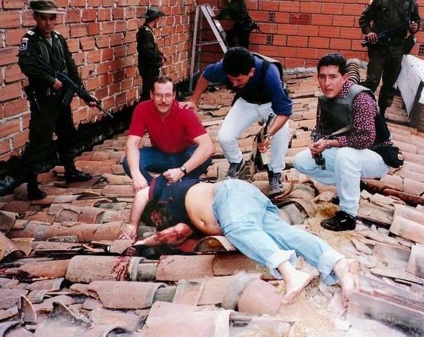 2 Декабря 1992 года, после 16 месяцев непрерывных поисков, был убит колумбийский нарко-босс Палло Эскобар, которого нашли и собственно застрелили в Медельине В этой операции принимало участие