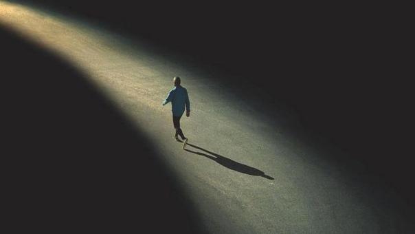 Всякая зависимость возникает из-за подсознательного нежелания человека встретиться с болью лицом к лицу и пройти ее до конца