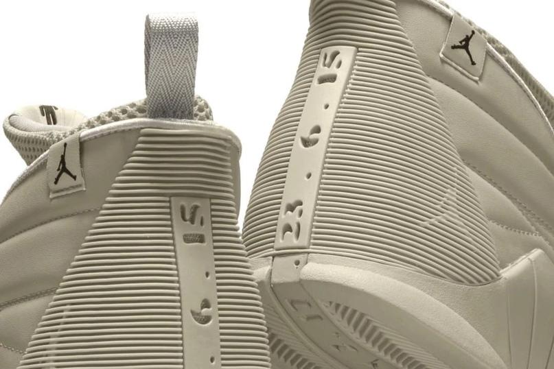 Модные новости. Билли Айлиш выпустит еще одни кроссовки в коллаборации с Air Jordan.