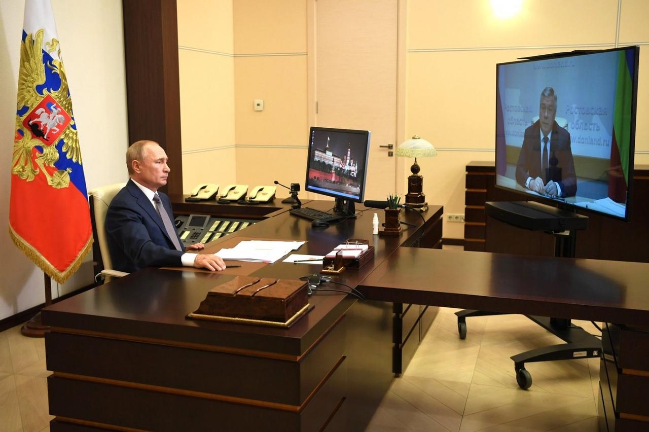 Губернатор Ростовской области Василий Голубев предложил Путину отметить наградами донских тружеников