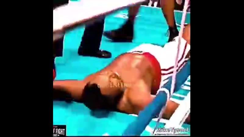Майк Тайсон мстит за своего кумира Мохаммеда Али