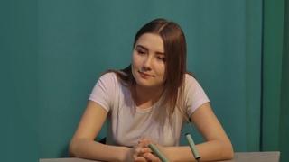 Настя Семенова о НЕПРОСТОЙ жизни ОТЛИЧНИЦЫ и студентки МедУнивера
