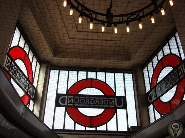 Шесть зон под Лондоном В XIX веке максимум, что грозило пассажиру лондонского метро, украденный поцелуй; а вот в наше время пассажира там могут и съесть!Английская гордость французского