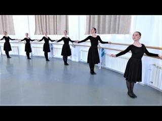 Югорчанам рассказали, откуда пошли движения народного танца