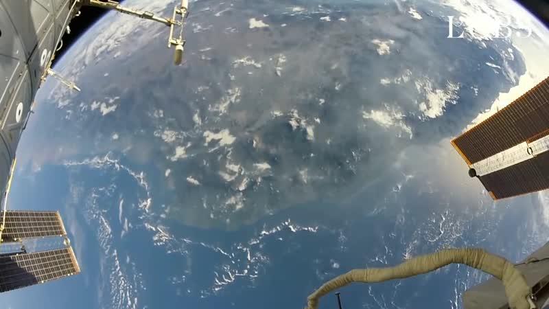 2 minutes d'une vertigineuse sortie dans l'espace depuis l'ISS 1080 X 1080