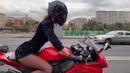 опять катает в платье мототаня девушка на красном мотоцикле