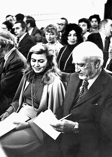 Брачная история «Золушки» Её звали Бася Барбара Пясецкая. Жила она в Польше, защитила диссертацию по искусствоведению и уехала в США. По-английски она была в состоянии составить не более пяти